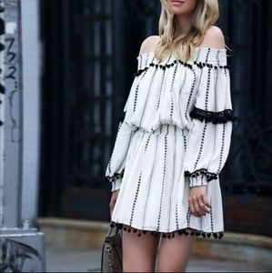 Tularosa M Jacqueline off shoulder tunic dress